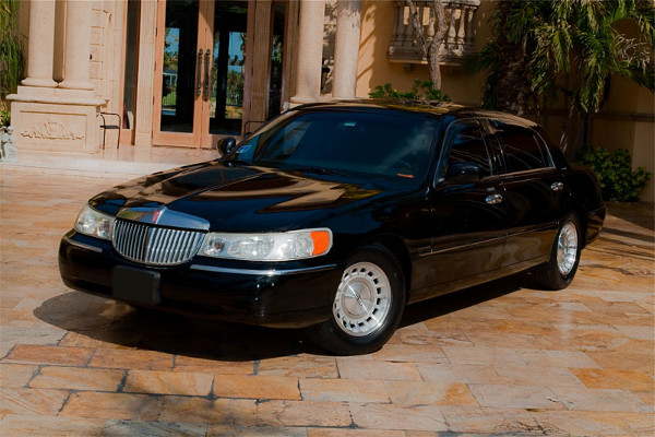 Lincoln Sedan San Antonio Rental